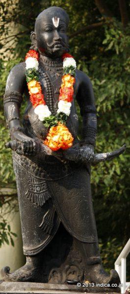 Thirumalai Nayakar statue at Thirumalai Nayakar Mahal