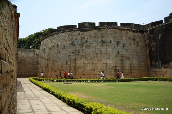 The vast open space inside the fort. A pleasant surprise in the chock a block area of Bangalore city.