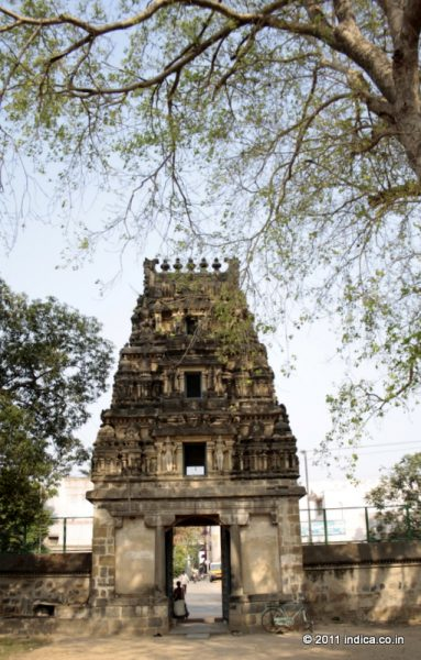 Gateway to the Jurahareswarar Temple